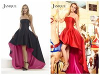 2018 Ballkleider Janique Cocktailkleider Little Black Party Ballkleider Satin Tief Strapless Backless Ärmellos Asymmetrisch