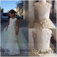 Wholesale Lace First Holy Communion Dresses - 2016 Flower Petals Flower Girl Dress For Wedding Holy the First Communion Gowns