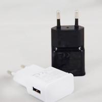cargador de pared de viaje de pared negro al por mayor-Cargador de pared USB 5V 2A AC Adaptador de cargador de viaje para el hogar EE. UU. Enchufe de la UE para teléfono inteligente universal android Blanco Negro Color