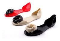 talons grande fleur achat en gros de-Vente chaude Camellia bonbons à bout ouvert sandales romantique fleur talon plat sandales gelée Printemps été bottes de pluie femmes chaussures Livraison gratuite