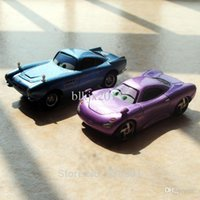 wholesale toy cars al por mayor-Wholesale-2pcs / set estrenar Escala 1/55 Pixar Cars 2 Juguetes Radiator Springs Finn McMissile y Holley Diecast coches de juguete de metal de niños