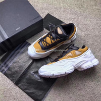 Wholesale Winter Canvas Shoes For Women - 2017 RAF Simons Consortium Ozweego 3 OZ III Running Shoes Sneakers With R Logo for Men Women 2018 White BZrown Sneakers
