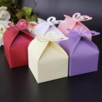 mariposas baby shower al por mayor-Mariposa ahueca hacia fuera las cajas de regalo de la fiesta de bienvenida al bebé del banquete de boda de la caja del caramelo para los colores múltiples 0 15hb C R