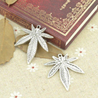 Wholesale Tibetan Coin Jewelry - Wholesale 20pcs lot metal antique alloy charm tibetan silver maple leaf pendant fit jewelry making Z42711 free shipping