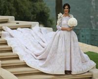 платье невесты с цветочным аппликатом оптовых-Королевское Кружево Старинные Свадебные Свадебные Платья С Длинным Рукавом Аппликация Цветы Ручной Работы Ruched Свадебное Платье Съемный Cathdral Поезд Невесты Платья