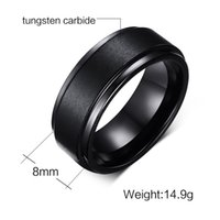 Anel de casamento 8mm Black Plated Mens Tungsten Carbide Weeding Band Ring para homem e mulher Middle Brushed