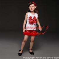 kızlar kırmızı şort seti toptan satış-Pettigirl Beyaz Noel Çocuk Kız Giyim Setleri Pamuk Üst Yay Ile Ve Sequins Ve Kırmızı Şort 2 Parça Fantezi Çocuk Giysileri CS40322-2