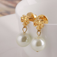 Wholesale Gray Pearl Earrings Dangle - Top brass material Brand name Pearl beads 1.3cm stud Earring 18k gold plated women jewelry White Grey color free shipping PS6623