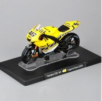 Wholesale Kids Bikes 18 - 1 18 Scale Yamaha Motorcycle Model YZR-M1 #46 Laguna Seca 2005 Kids Racing Bike Collection Diecast Toys