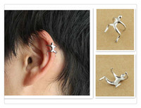 2017 Europe Hot Silver Gold Escalada Homem Naked Climber Ear Manguito Helix Cartilage Clip-on Earring Party Gift