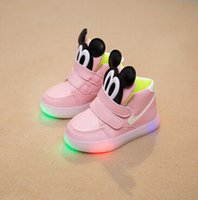 Wholesale Small Kids Sport Running Shoe Miceky Fashion Colors Black Pink Yellow Size Kids Led Light Shoes