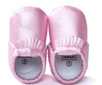 Wholesale Pink Newborn Booties - 2015 newest Newborn 5 color moccs Baby First Walker shoes Moccasins Soft Kids Shoes Baby bow Prewalker booties Tassels Leather Shoes