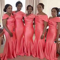 tafta artı elbiseler toptan satış-Afrika 2018 Mercan Tafta Mermaid Gelinlik Modelleri Uzun Düzensiz Boyun Kısa Kollu Artı Boyutu Onur Hizmetçi Düğün Konuk Elbise