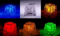 LED Ice Cubes Flash Light Flashing Cubo de cristal RAINBOW Iluminação LED Cubos de gelo para festa Bar Event Bares Chirstmas Multi Color