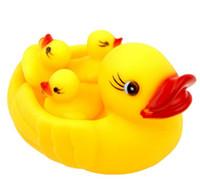 pe boote groihandel-Nehmen Sie eine Dusche gelbe Ente Spielzeug Kleinkinder und Kleinkinder drückte genannt Bad Spielzeug Straße Quelle des Verkaufs von Spielzeug Großhandel zu berichten, Purchases