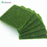 ingrosso tappeto falso-15 pz tappeto erboso verde prato artificiale 15x15 cm piccolo tappeto erboso falso soda casa giardino muschio per la casa decorazione di cerimonia nuziale del pavimento