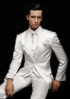 esmoquin de novio de marfil blanco al por mayor-2016 blanco Slim Fit Novio Esmoquin Peak Lapel El mejor hombre se adapta a Ivory Groomsman / Novio Wedding / Prom Suits (Jacket + Pants + Tie + Vest)