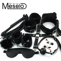 10 pz / lotto PU Leather Bondage Set EroticToys per le coppie Manette sexy Capezzoli Morsetti Manicotto Bocca Gag Whip Eye Mask q1711242