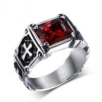 homens de anel de gemstone preto venda por atacado-Nova Moda Cruz Gemstone Anéis Para Homens Red Black Gemstone EURO-EUA Estilo Titanium Stailness Aço Mens Anéis Anéis de Bicicleta Com Alta Qualidade