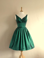 Wholesale Emerald Taffeta - 2015 Emerald Green Taffeta Prom Dresses Knee Length Sexy V-Neck Short Bridesmaid Dress for Wedding Party Homecoming Gowns
