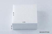 paquetes de encantos al por mayor-Caja blanca estilo Pandora Esponja plana o almohada Dentro Encantos Collar de cuentas Pendiente Anillo Pulsera Joyas caja de regalo bolsas de papel Paquete Exhibición