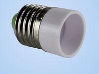 prise de lampe ampoule achat en gros de-Livraison gratuite 100 pcs / lot E27 à E14 Lampe Titulaire Bases Convertisseur Socket Ampoule Lampe Titulaire Adaptateur Plug Extender gros