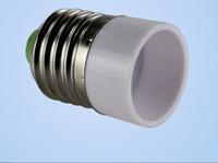 lampes ampoules achat en gros de-Livraison gratuite 100pcs / lot E27 à E14 Base de support de lampe Convertisseur Socket Ampoule Support de lampe Adaptateur Plug Extender en gros