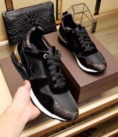imagem sapatos de couro venda por atacado-Mens designer de moda avançada manualof sapatos marca de couro lace-up apartamentos casuais sapatos de movimento da imagem tamanho 38 ~ 45