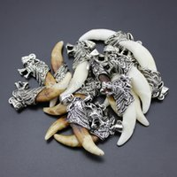 Hot atacado lote 10pcs Cool Boy Men's Amulet real Natural Fangs Wolf Dente Design Charm Pingentes Presente MN286
