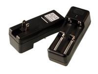 tek yuvalı şarj cihazı toptan satış-18650 18350 16340 3.7 v Piller için evrensel Seyahat Şarj Cihazı Tek Çift Yuvaları ABD İNGILTERE AB AU Şarj stokta fabrika kalite E sigara