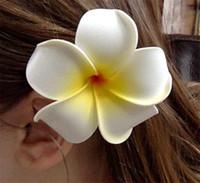 frangipani saç tokaları toptan satış-Saç Klip-50 adet / grup Nuolux kadın Kızlar Hawaiian Plumeria Köpük Çiçek Firkete DIY şapkalar PE frangipani saç tokası Beyaz Sarı