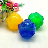 yeşil sarı top toptan satış-Yeni Tasarım Hayvanlar İçin 3 Renkler mavi yeşil sarı Oyuncak Temizleme Köpek Oyuncakları Squeaky Su geçirmez Topu Eğitim Dişi Chew
