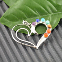 Encontrando 10Pcs Heart Shape Healing Chakra Stone Point Beads Pendant Charms Jewelry Fit Necklace