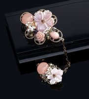 Wholesale Korean Import High End Jewelry - Hot pink pearl shell flower brooch brooch female South Korean imports of purchasing jewelry Korean high-end gift