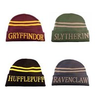 2017 New Harry Potter Beanie Gryffindor Slytherin Cappellini Caps Hufflepuff Ravenclaw Cosplay Costume Cappelli Striped School Moda inverno Cappelli