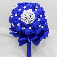 ingrosso bouquet di cristallo di cerimonia nuziale di perle blu-Perle fatte a mano di lusso di cristallo Mazzi da sposa unici per il matrimonio Royal Blue Artificial Rose Wedding Flowers Cheap Bridesmaid Flowers 2015