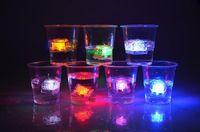 farbwechsel kristall großhandel-LED Eiswürfel Schnellblitz Langsam Flash 7 Farbe Auto Ändern Kristallwürfel Für Valentinstag Party Hochzeit 12 teile / schachtel