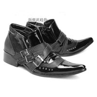 zapatos de citas al por mayor-Invierno hombres Martin hebilla remache botas moda casual charol zapatos negros del partido de alta calidad Fecha botines punta estrecha