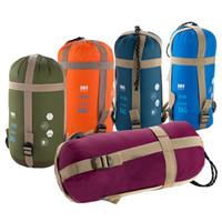 equipamento de acampamento ao ar livre venda por atacado-Atacado-Natureza Caminhada Mini Ultraleve Multifuntion Portátil Envelope Ao Ar Livre Saco de Dormir Saco de Viagem Caminhadas Camping Equipamento 700g 5 Cores