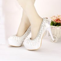 Moda Branco Cetim Round Toe Shape Wedding Shoes Tassel Rhinestone Party Shoes 2016 Primavera New Arrival Lady Beautiful Pumps