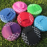 Wholesale Ready in stock Round Quatrefoil Insulated Food Carrier Beach lunch Bag Casserole Carrier DOM103110