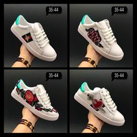Wholesale Low Glitter Wedges - 2017 New Designer Fashion Snake Print for Love Sneakers Low Top Black And White Leather Men Women G G Casual Shoes