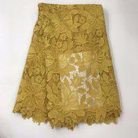 tecido africano de ouro amarelo venda por atacado-Madison ouro de alta qualidade tecido de renda química africano solúvel em água amarela nigeriano guipure vestido de noiva tecido de renda africano