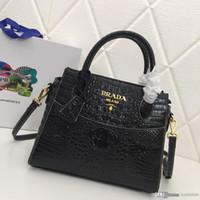 bolsa roxa de crocodilo venda por atacado-Nova moda crocodilo padrão senhora bolsa requintado generoso preto azul roxo saco de designer de couro número: 8960.