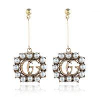 ingrosso orecchini vuoti-Perle bianche Lettera Orecchini pendenti Orecchini pendenti lunghi pendenti Accessori per gioielli per le donne