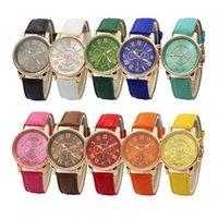 cenevre deri bilezik saatler toptan satış-50 adet Unisex Lüks Saatler Cenevre Silikon Romen Rakamları İzle deri Bilezik Kuvars İzle Moda Erkek Kadın Spor Cystal Saatler