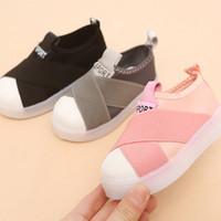 Wholesale children lighting shoes resale online - Korean Style Fashion Luminous Sneakers Casual Children Shoes Anti skid LED Light Up Sports Shoes for Girls Boys