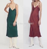 robe slip slip achat en gros de-Top Quality Slik 100% Strap Dress - 2019 Printemps Eté Femmes Blanc / Bordeaux / Noir / Marine / Vert Malachite Stylish Slip Dress