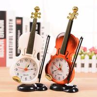 quartz alarm clock venda por atacado-2017 NOVO 2 Cores Tabela Instrumento Criativo Relógio estudante do violino presente Home Decor Fiddle Quartz Alarm Clock Desk Plastic Artesanato
