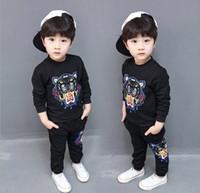 erkek çocuklar yeni moda ceket toptan satış-Yeni Bebek T-shirt Ceket Pantolon Iki parça 1-4 Yıl Suit Çocuk Moda çocuk 2 adet Pamuk Giyim Seti Erkek Setleri